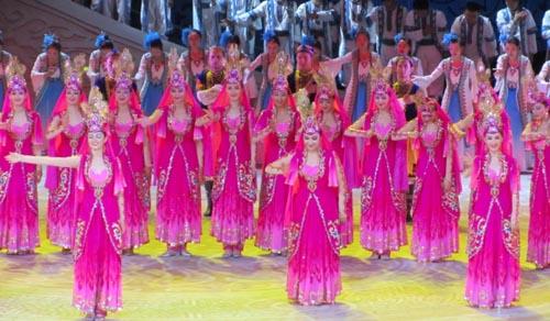 第三届中国新疆国际民族舞蹈节开幕