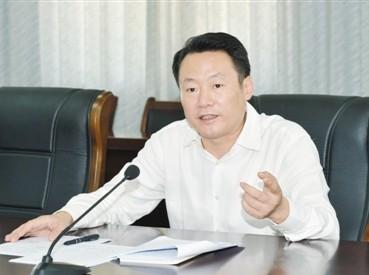 安庆市委书记虞爱华:重民生赢掌声--地方领导-
