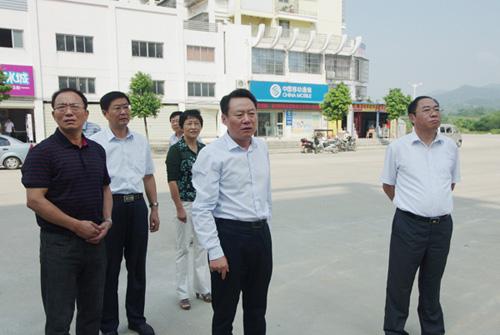 虞爱华在安庆市区和怀宁县检查文明创建工作