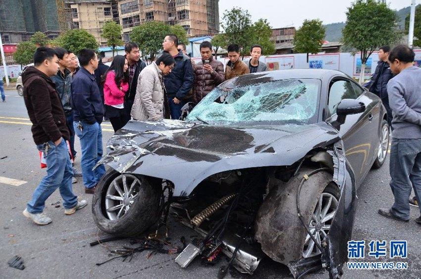 高清 湖南郴州发生一起车祸致一名环卫工人死亡