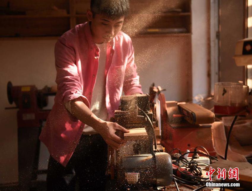 加工制作木头工艺品