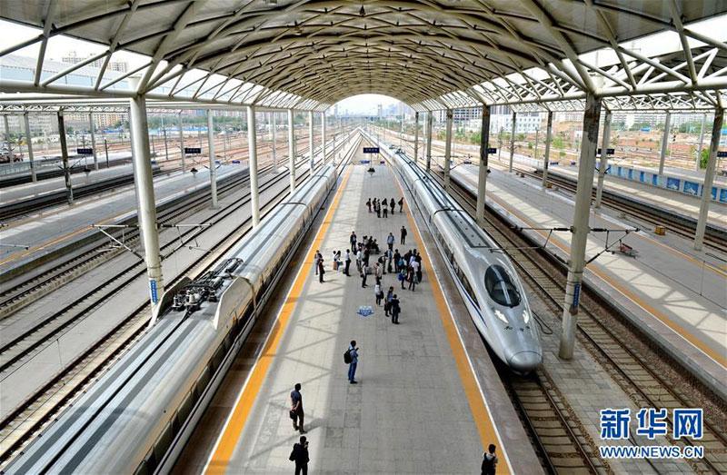 国铁路实行新的列车运行图