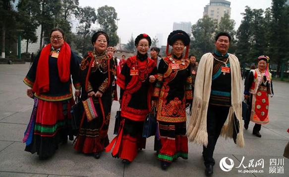 四川省第十二届人大五次会议今日开幕 代表入场