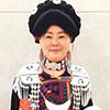 我是四川省马边彝族自治县高卓营乡高卓营村2组土生土长的彝族姑娘,因为彝绣做得好,成了本地的一个致富带头人。