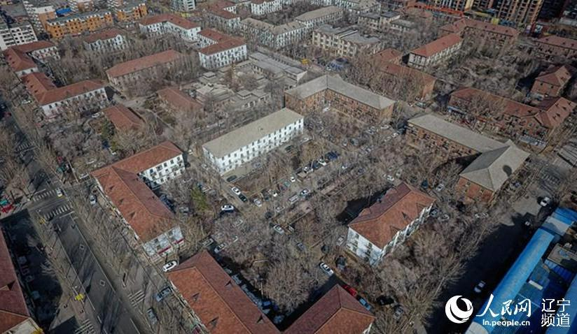 沈阳最后一片苏式建筑群即将退出历史舞台继沈阳工人村、三台子地区之后,沈阳最后一片苏式建筑群逐渐退出历史舞台。