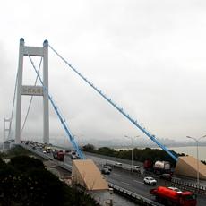 江阴大桥通车近20年,对江阴靖江跨江融合发挥了重要作用。