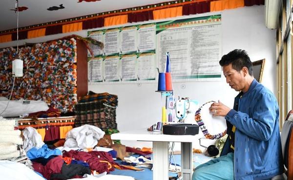 探访西藏首批易地扶贫搬迁点——四季吉祥村