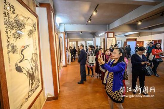 湛江经开区建区35周年书画摄影雷剧作品展开展